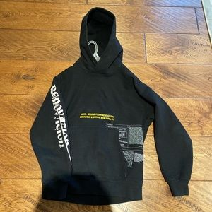 TNA thick comfy hoodie